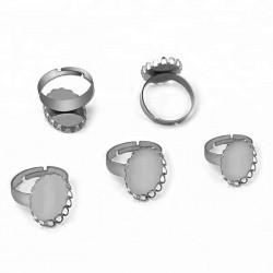 Prsten s oválným lůžkem z chirurgické oceli různé velikosti